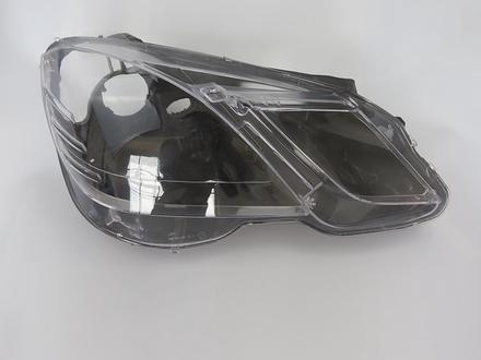 Стёкла на передние фары Mercedes w212 (2009 — 2013 Г… за 29 000 тг. в Алматы