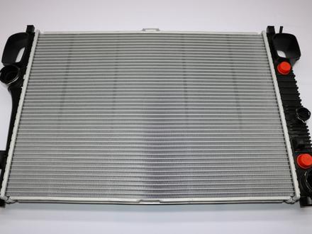 Радиатор двигателя Mercedes Benz S Class w221 за 87 900 тг. в Алматы