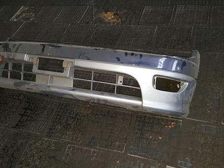 Передний бампер Toyota Lusida за 20 000 тг. в Алматы
