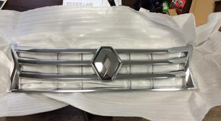 Решетка радиатора хром с эмблемой Renault Duster 2012-15 за 29 500 тг. в Алматы