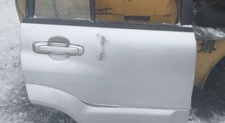 Передняя правя дверь на Suzuki Grant Vitara за 555 тг. в Караганда