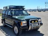 Jeep Cherokee 1995 года за 2 500 000 тг. в Актау