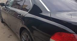 BMW 750 2006 года за 6 200 000 тг. в Мерке – фото 2