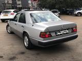 Mercedes-Benz E 200 1991 года за 2 490 000 тг. в Алматы – фото 4