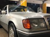 Mercedes-Benz E 200 1991 года за 2 490 000 тг. в Алматы – фото 5