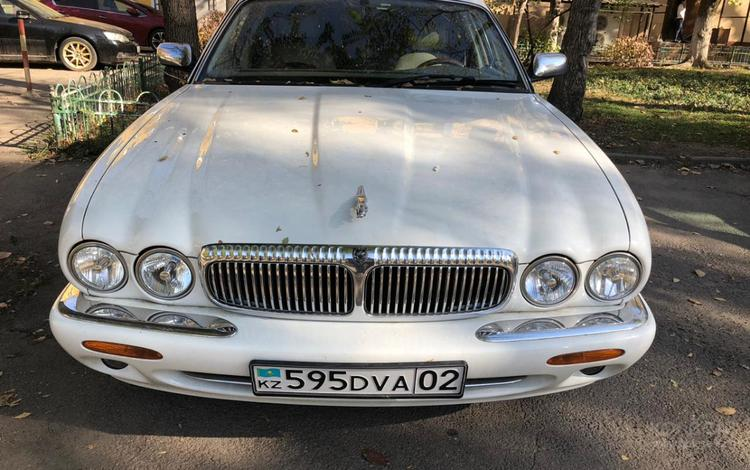 Jaguar XJ 1999 года за 6 500 000 тг. в Алматы