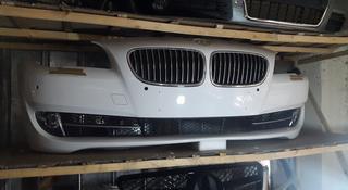 Передний бампер на Бмв ф10. BMW f10 за 200 000 тг. в Алматы