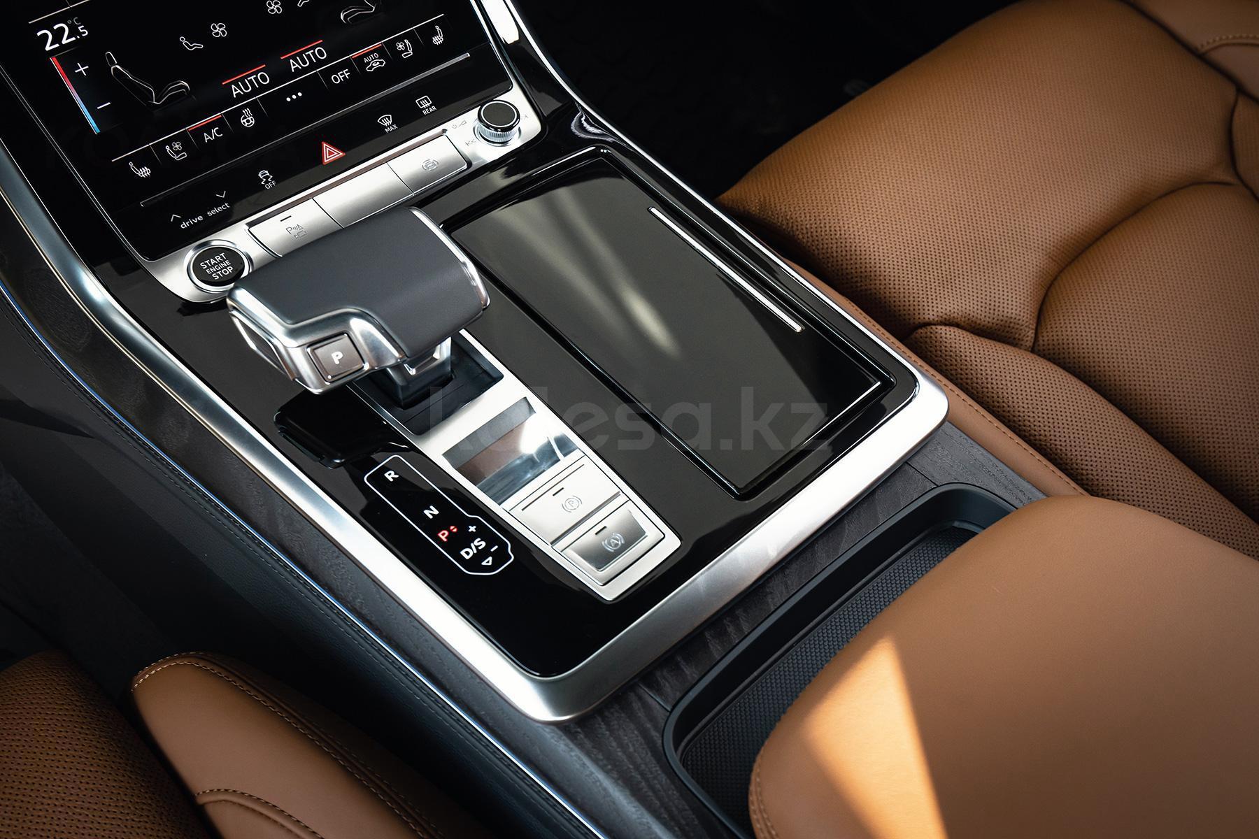 Audi Q8 J класса 2020 года от 32 949 800 тенге