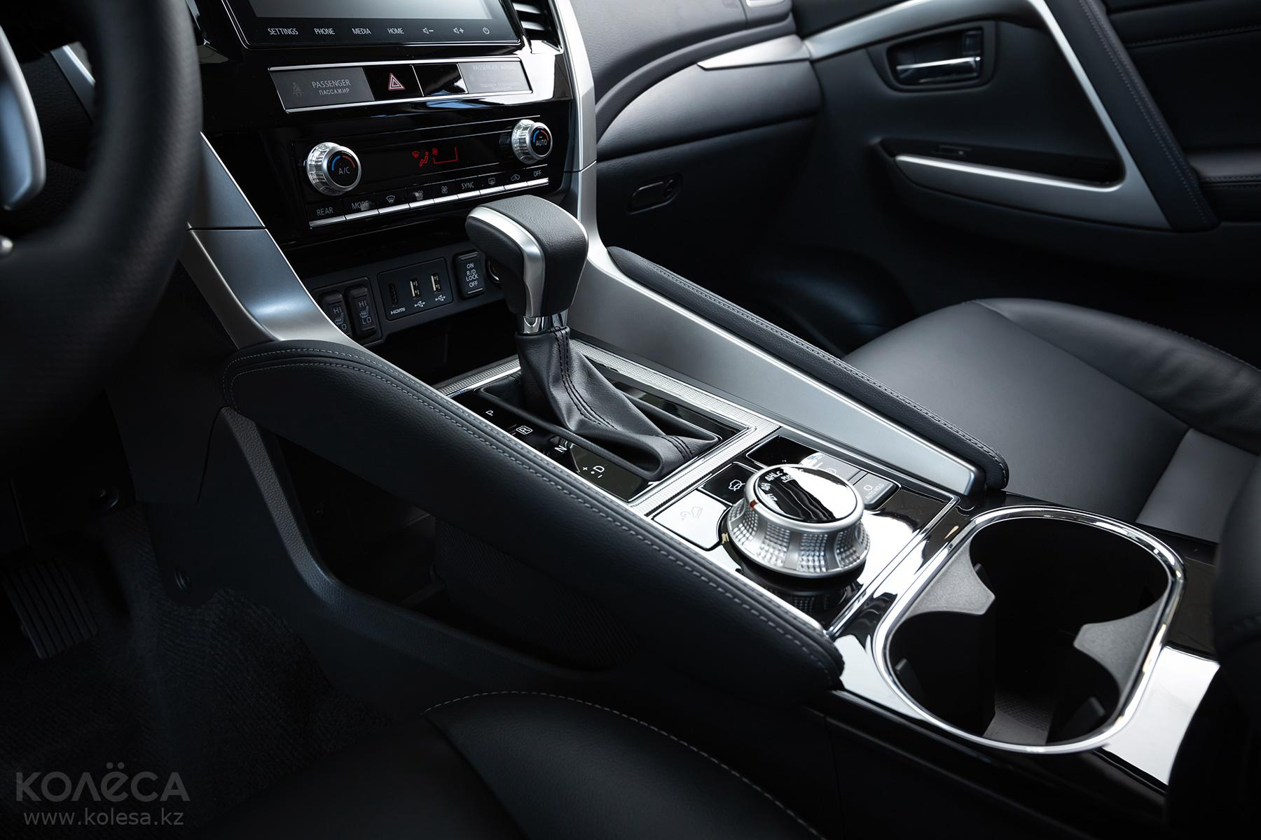 Mitsubishi Pajero Sport SUV 2019 - н.в. года от 21 300 000 тенге