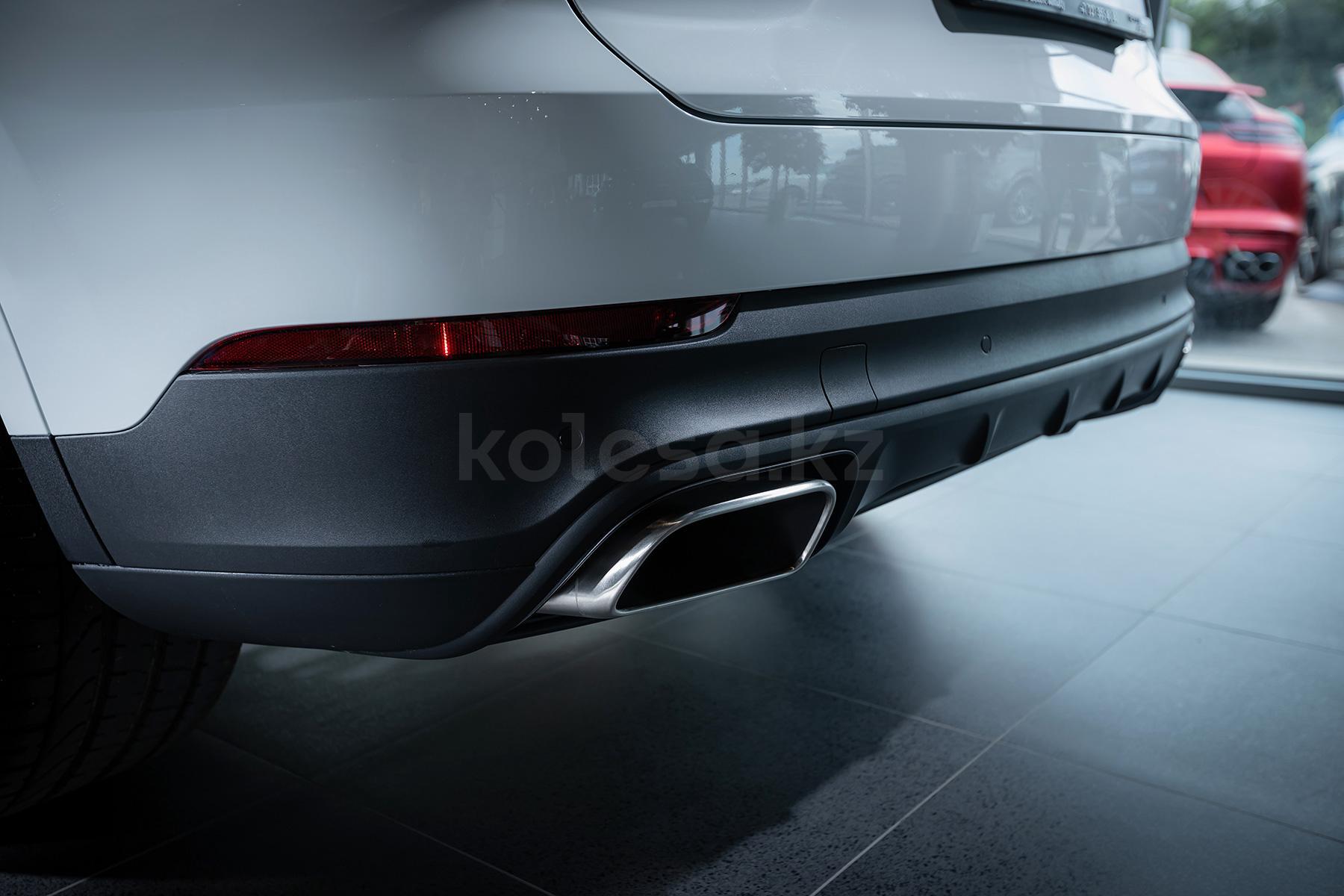 Porsche Cayenne SUV 2017 - н.в. года от 46 725 000 тенге