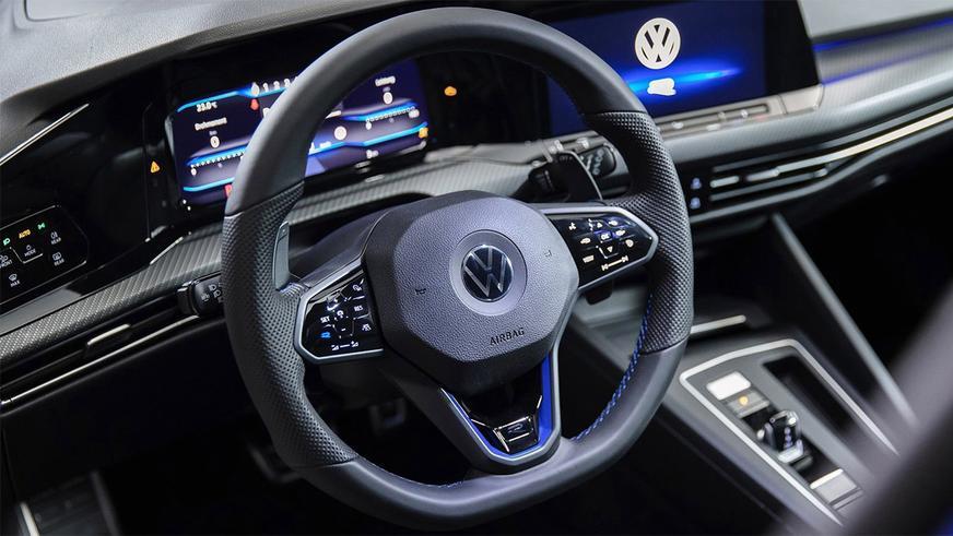Дебютировал VW Golf R нового поколения