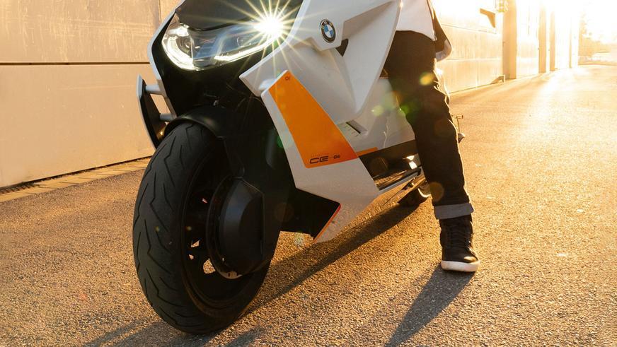 bmw-motorrad-definition-1