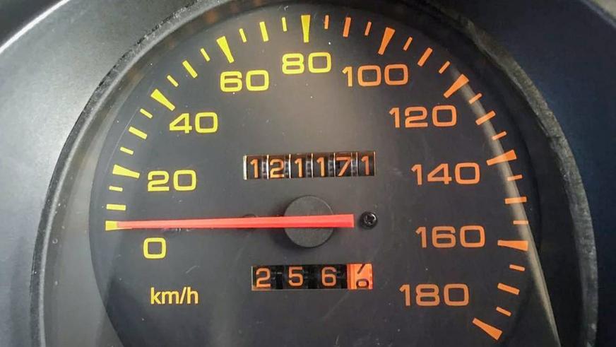 За 25-летний Mitsubishi Pajero просят 6.5 млн тенге