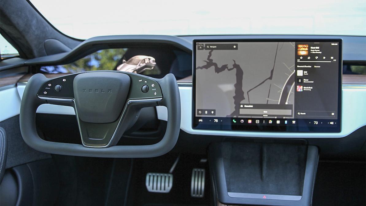Штурвал в Tesla Model S: первый живой опыт