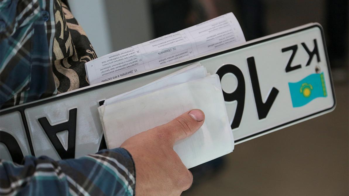 Как перерегистрировать авто или получить права в новогодние праздники