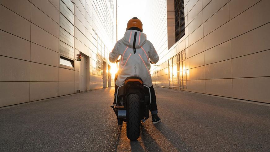 bmw-motorrad-definition-2