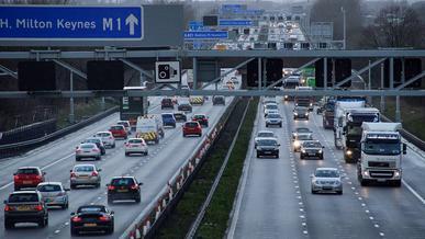 Теперь камеры будут следить, как водители соблюдают дистанцию между машинами
