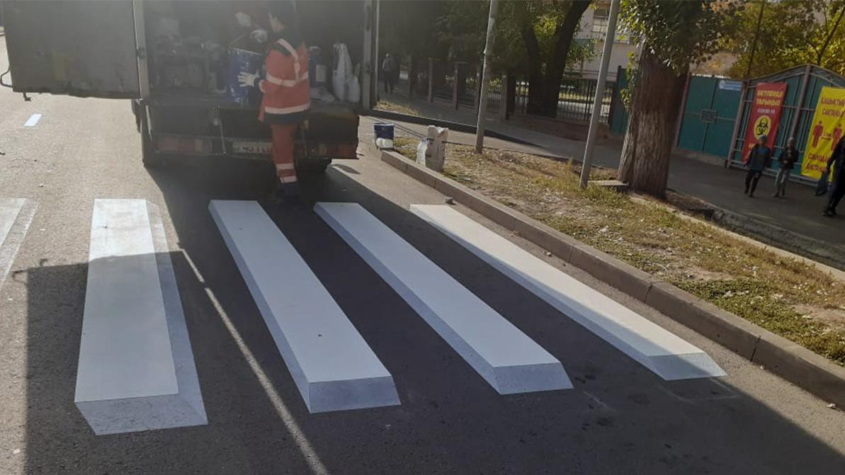 Зебры 3D появились на улицах Алматы