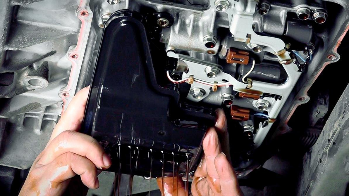 Когда менять трансмиссионную жидкость в автоматической коробке передач