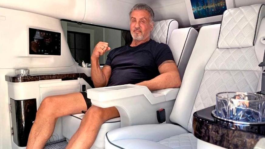 Сталлоне продаёт свой Cadillac Escalade