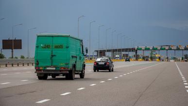 В Казахстане платным станут сначала участки трасс 1-й категории