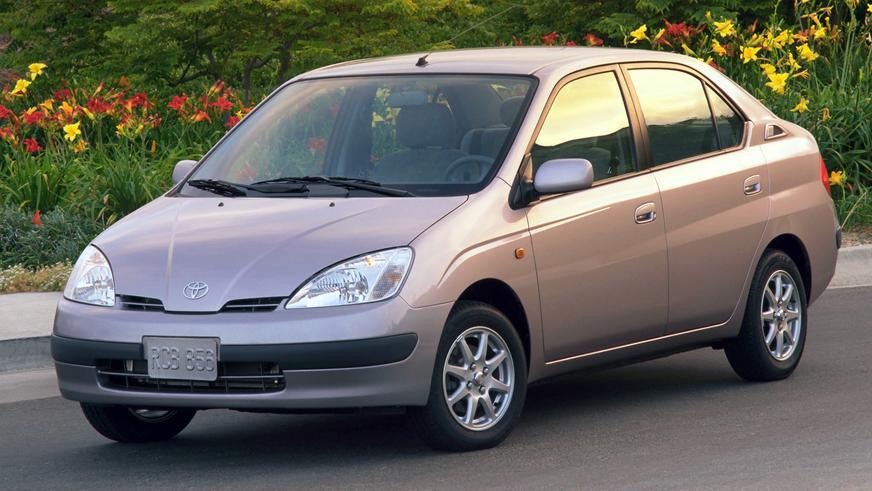 2000 год — Toyota Prius первого поколения