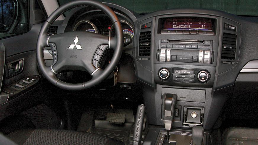 Mitsubishi Pajero - 2010