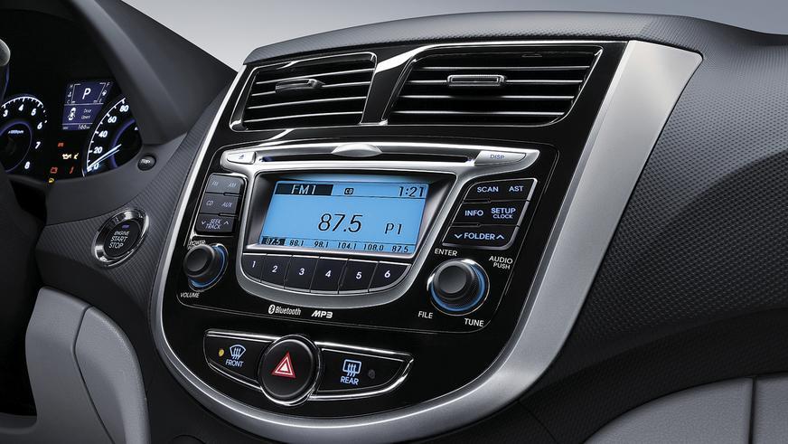 Hyundai Accent - 2011