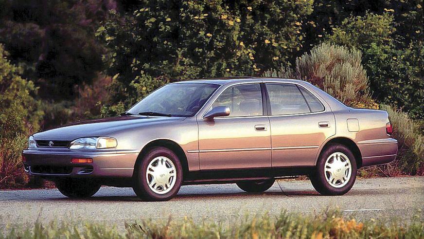 1992 год — Toyota Camry третьего поколения