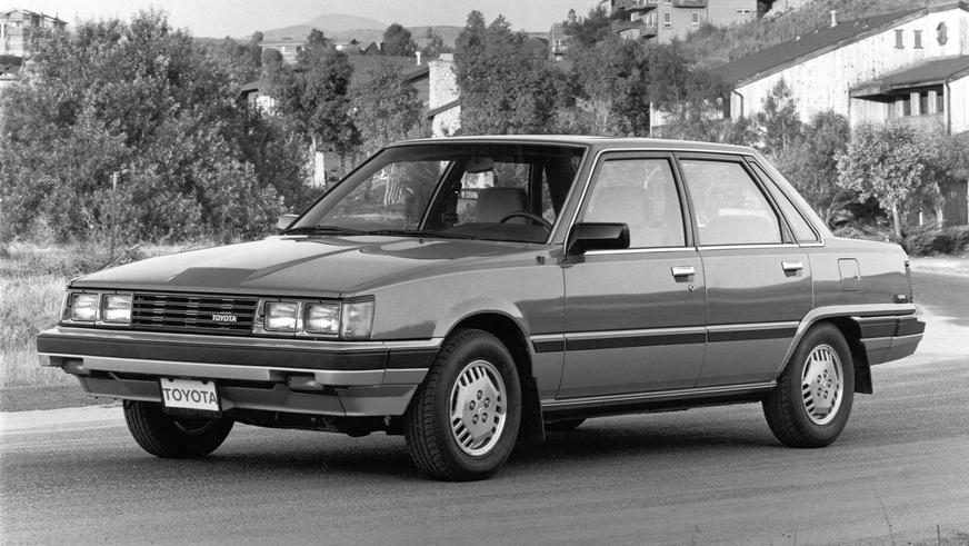 1982 год — Toyota Camry первого поколения
