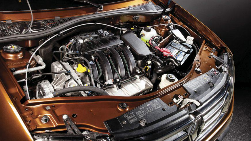 Renault Duster - 2011 - двигатель
