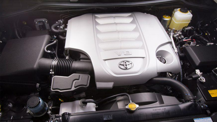 Toyota Land Cruiser 200 - 2012 - двигатель