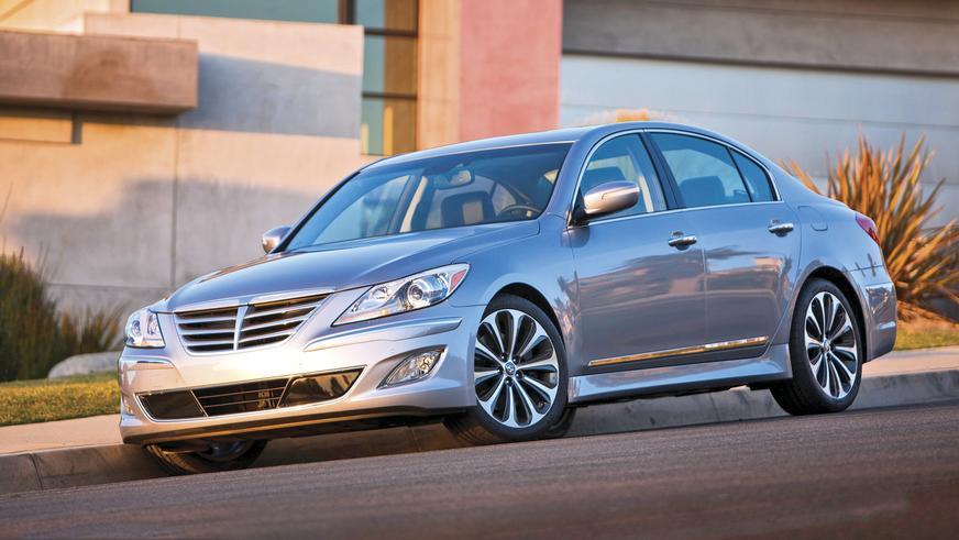 2011 год - Hyundai Genesis первого поколения (рестайлинг)