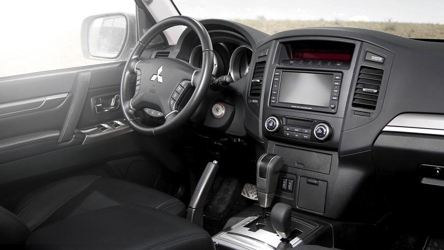 Mitsubishi Pajero - 2012