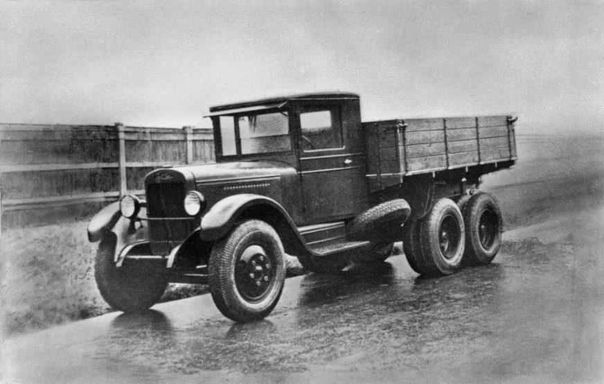 ЗИС-6 в первый год войны был основным шасси для катюши