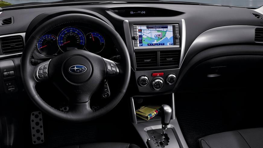 2007 год. Уже для III поколения панель приборов была позаимствована у модели Impreza