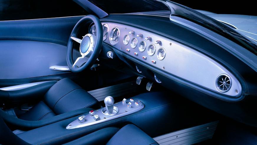 2000 год — Jaguar F-Type Concept