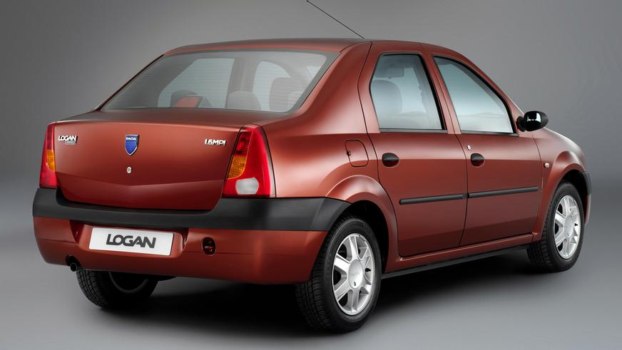 2004 год — Dacia Logan первого поколения
