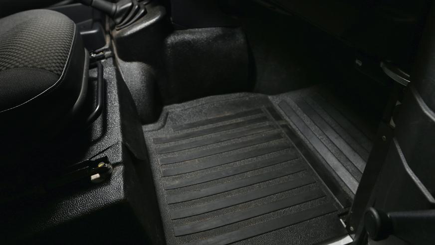 Land Rover Defender - 2013