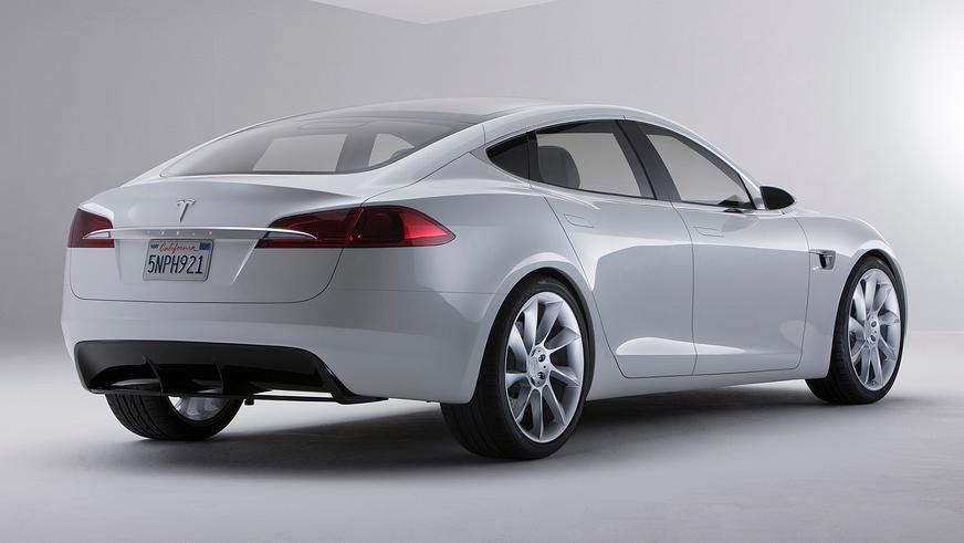 2009 год — Tesla Model S Concept