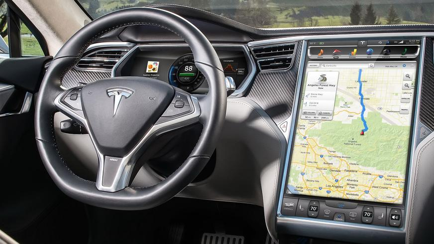 2012 год — Tesla Model S