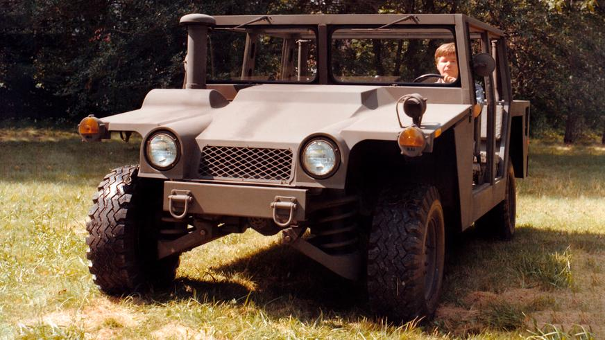1981 год — HMMWV XM998 Prototype I