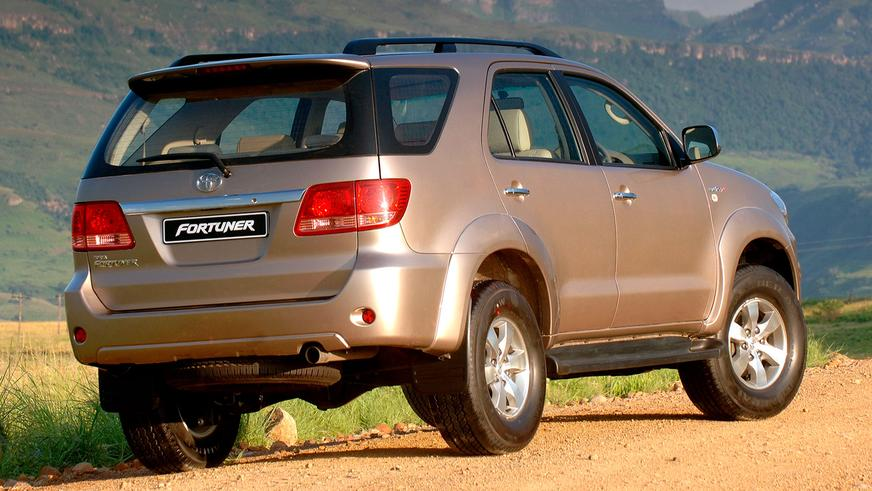 2005 год — Toyota Fortuner-дің алғашқы буыны