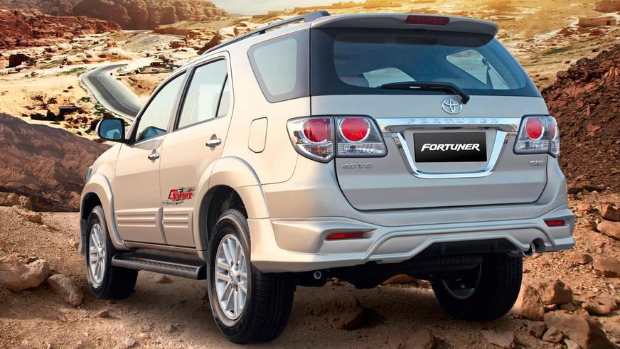 2011 год — Toyota Fortuner-дің алғашқы буыны (рестайлинг)