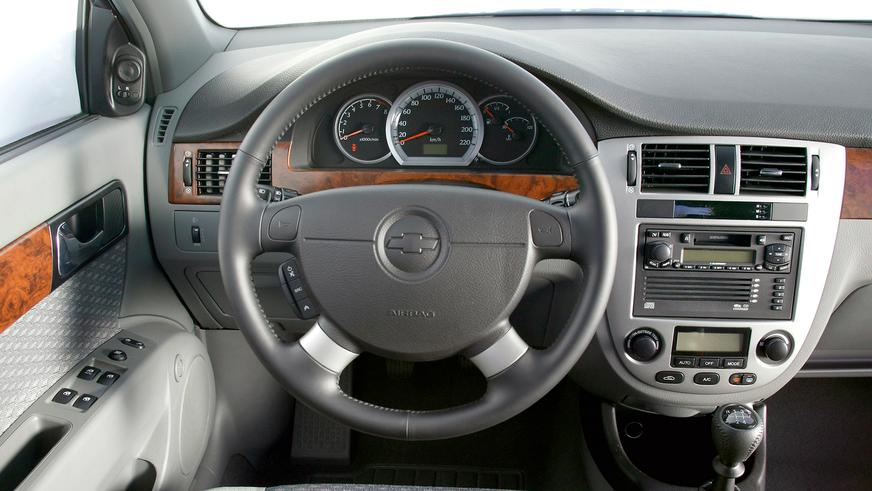 2004 год — Chevrolet Lacetti Sedan