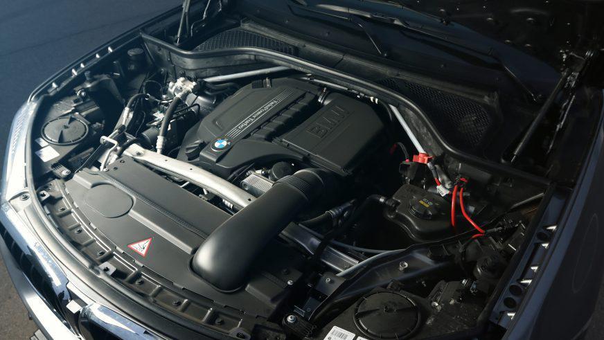BMW X5 F15, xDrive35i - 2015 - двигатель