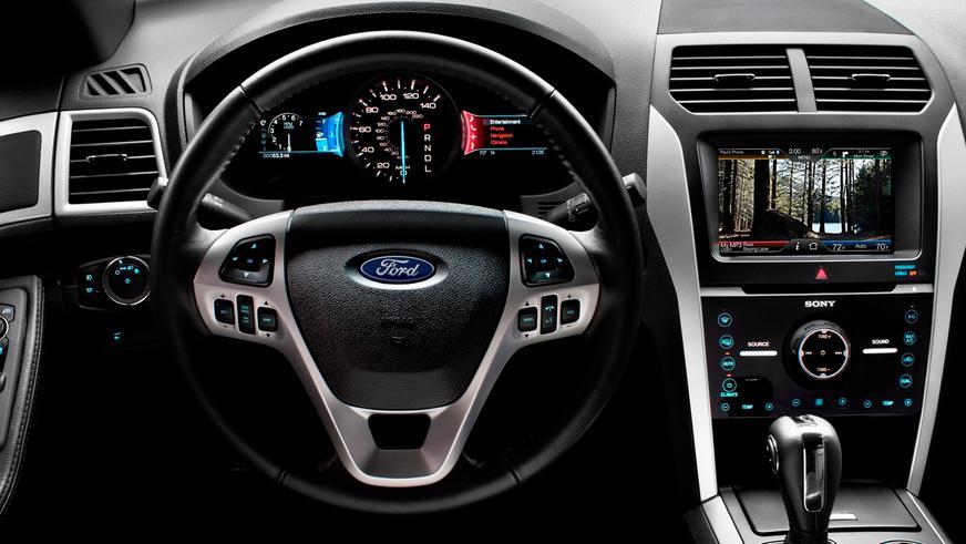 2010 год — Ford Explorer пятого поколения