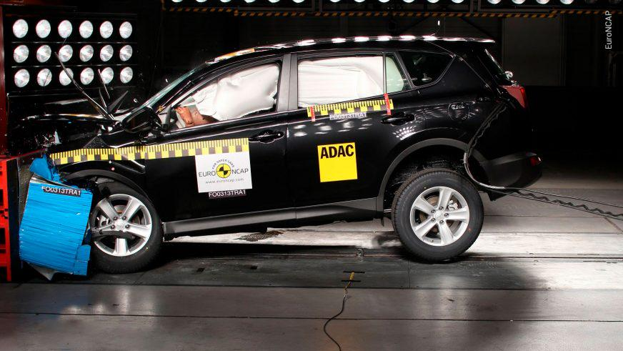 Toyota RAV4 - 2013 - краш-тест