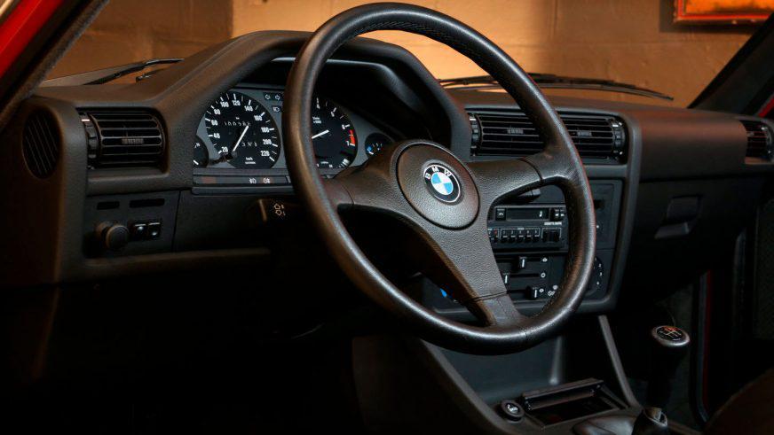 BMW E30 с пробегом всего 260 км выставили на продажу
