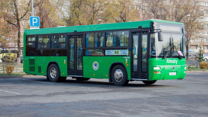 Новые дизельные «ютонги» пополнили автопарк Алматы
